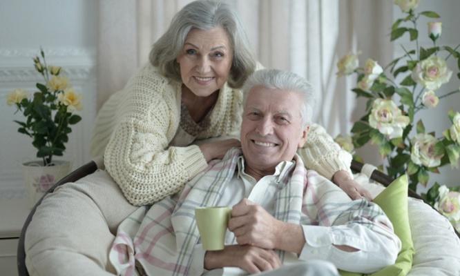親孝行のためにも知っておきたい! 高齢者の医療費は平均いくら?
